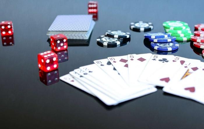 Nếu bạn là người thích chơi đánh bài thì không thể bỏ qua phỏm