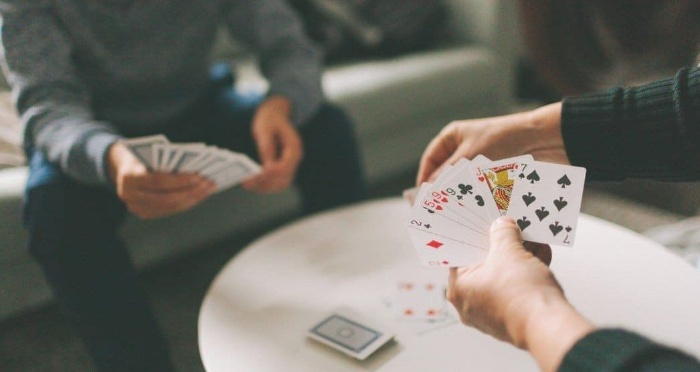 Việc nhớ những cây bài của đối thủ cũng vô cùng cần thiết khi chơi